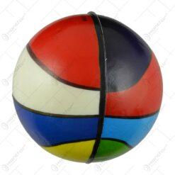 Set 6 mingi realizate din plastic