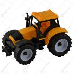 Jucarie realizata din plastic - Tractor (Model 7) - Diverse modele