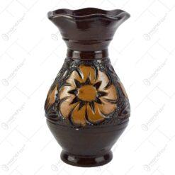 Vaza din ceramica lacuit. gravat si pictat cu motive florale (diferite modele)