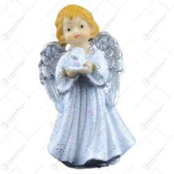 Figurina inger cu biblie/rugandu-se din rasina 8 CM