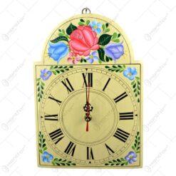 Ceas pentru perete realizat din lemn - Diverse modele pictate cu design floral