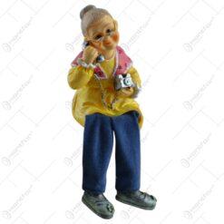 Figurina realizata din ceramica cu picior din material textil - Diverse modele Batran/Batrana
