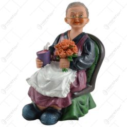 Pereche de figurine in forma de batrani realizate din ceramica (Model 1)