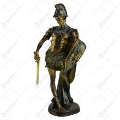 Statueta realizata din rasina - Barbat luptator