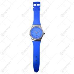 Ceas de perete realizat din material plastic - Deign Clasic - Diferite culori