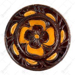 Farfurie pentru decor din ceramica. lacuit si gravat cu motive florale (15 CM)