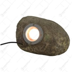 Lampa de gradina in forma de piatra realizata din rasina