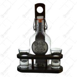 Plosca realizata din sticla cu suport din lemn si doua pahare - Design Stema Transilvaniei
