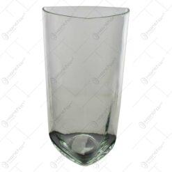 Vaza realizata din sticla (Model 3)