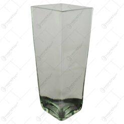Vaza realizata din sticla (Model 4)