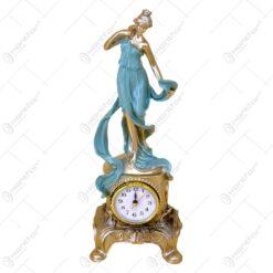 Statueta realizata din rasina cu ceas incorporat - Diverse modele (Model 5)