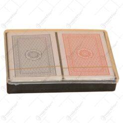 Set 2 carti de joc realizate din carton in cutie din plastic