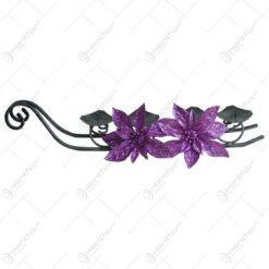 Suport lumanare din metal cu patru brate in forma de sanie lunga cu decor floral artificial - Diferite tipuri