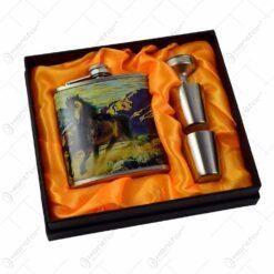 Set cadou pentru barbati - Plosca cu accesorii - Design cu cal