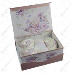 Set ceasca din 2 cesti cu farfurii realizate din ceramica in cutie cadou - Design cu trandafiri mov