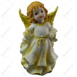 Figurina decorativa pentru Craciun realizata din ceramica - Ingeras cu aripi aurii - 2 modele (Model 6)