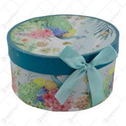 Ceasca cu farfurie realizate din ceramica in cutie decorativa - Design Paun & Flori