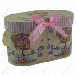 Set 2 cani realizate din ceramica in cutie cadou - Design cu coroana