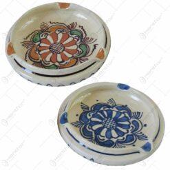 Scrumiera din ceramica de Corund pictate cu motive traditionale in diferite culori