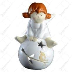 Candela realizata din ceramica - Design Inger cu glob (Model2)
