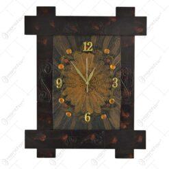 Ceas pentru perete realizat din lemn (Model 2)