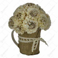 Cana decorata cu panza si plante artificiale