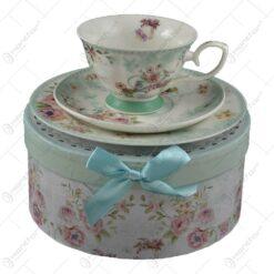 Set mic dejun 3 piese realizate din ceramica in cutie cadou - Design cu trandafiri (Model 1)