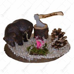 Decoratiune traditionala realizata din lemn si ceramic - Design Urs / Toporas