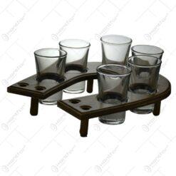 """Set 6 pahare tip """"shot""""-uri pe suport din lemn in forma de potcoava"""