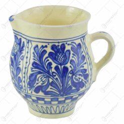 Carafa pentru vin din ceramica de Corund pictat cu motive populare in diferite culori