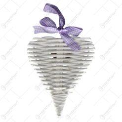 Decoratiune in forma de inima realizata din rachita - Alb cu fundita violet