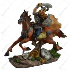 Statueta din rasina - Razboinic viking
