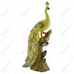 Figurina realizata din rasina in forma de paun