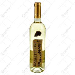 """Vin alb 0.75l cu eticheta personalizata din pluta - Design """"Szeretettel!"""""""