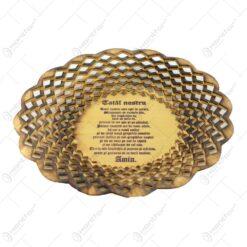 Farfurie din lemn. traforata si decorata cu gauri in forme de romb - Tatal nostru