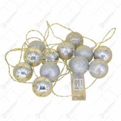 Set 12 globuri cu led pentru brad realizate din plastic - Argintiu