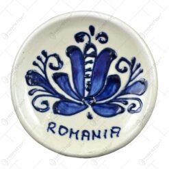 Magneti din ceramica pictate cu motive traditionale - Romania