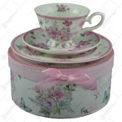 Set mic dejun 3 piese realizate din ceramica in cutie cadou - Design cu trandafiri (Model 2)