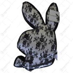 Perna decorativa in forma de iepuras Playboy - Design dantelat