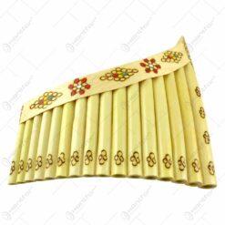 Nai cu 15 orificii decorat cu motive populare