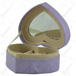 Cutie din lemn pentru bijuterii cu 1 compartiment si oglinda - Tip valiza inima
