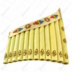 Nai cu 11-12 orificii decorat cu motive populare