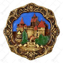 Placheta din ipsos reprezentand castelul Bran si chipul lui Vlad Tepes - Mare