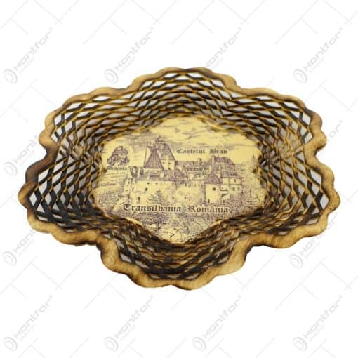 Farfurie din lemn in forma de frunza. traforata si decorata cu gauri in forme de romb - Dracula - Mare