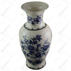 Vaza realizata din portelan - Design floral