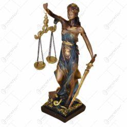 Statueta realizata din rasina - Femeie (Model 4)