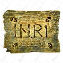 "Tablou religios realizat din ipsos - Design cu incriptia ""I.N.R.I."""
