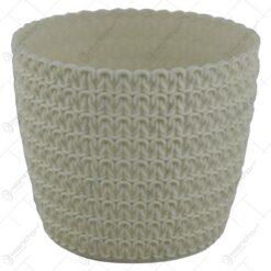 Ghiveci realizat din plastic - Alb