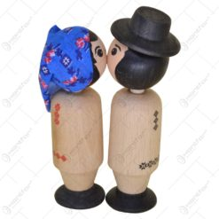 Pereche de figurine cu magnet in port popular romanesc