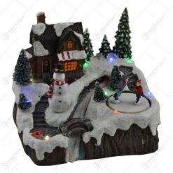 Decoratiune cu led pentru sarbatorile de iarna realizata din rasina - Casuta cu zapada. brad si Mos Craciun - Diverse modele